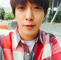 CNBLUE's Jung Yong Hwa Joins Instagram!
