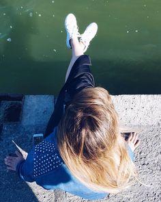 """""""Ma ti ricordi l'acqua verde e noi..."""". {La canzone del sole - Battisti}"""