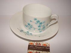 vintage  tasse & sous tasse café /thé Haute porcelaine Limoges France 1950 décor fleurettes bleues fond blanc cadeau Saint Valentin  7X8 cm de la boutique CuriositesdeSophie sur Etsy