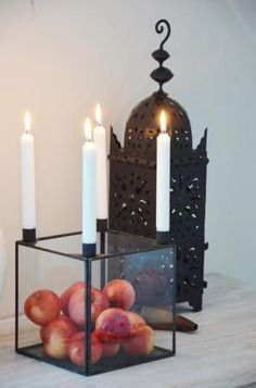 modern advent wreath i 39 d want traditional colored candles. Black Bedroom Furniture Sets. Home Design Ideas