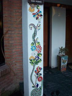 Mosaic flowers and butterfliesBeautiful exterior wall with flowers and butterflies - SalvabraniMosaic House Numbers, Palm Tree, Tropical, Bird of Paradise Flowers, in the works. Janet Dineen's Mosaic Art by HappyHomeDesignArt on EtsyVery nice Mosaic Mosaic Garden Art, Mosaic Tile Art, Pebble Mosaic, Mosaic Crafts, Mosaic Projects, Mosaic Glass, Glass Art, Stained Glass, Diy Projects