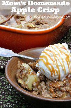 Mom's Homemade Apple Crisp :: Easy enough for a weeknight meal :: Recipe on HoosierHomemade.com #Baking, #Dessert, #Recipes