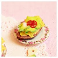 loosey-goosey : slice of brown bread with cheese, salad & tomato from polymer clay