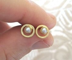 Gold Earrings Gold pearl earrings , Gold circle studs with fresh water pearl , Small stud earrings Gold pearl earrings , Gold circle studs with fresh water pearl , . 14k Earrings, Pearl Stud Earrings, Pearl Studs, Gold Pearl, Gold Studs, Etsy Earrings, Earrings Handmade, Circle Earrings, 18k Gold