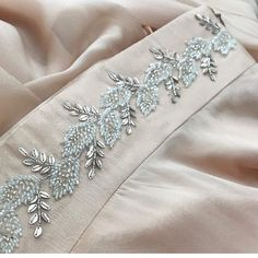 59 ideas embroidery face pattern haute couture for 2019 Zardosi Embroidery, Tambour Embroidery, Bead Embroidery Patterns, Hand Embroidery Flowers, Hand Work Embroidery, Embroidery On Clothes, Couture Embroidery, Bead Embroidery Jewelry, Embroidery Fashion