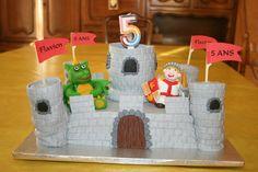 Gâteau château, chevalier et dragon, 5 ans Flavien
