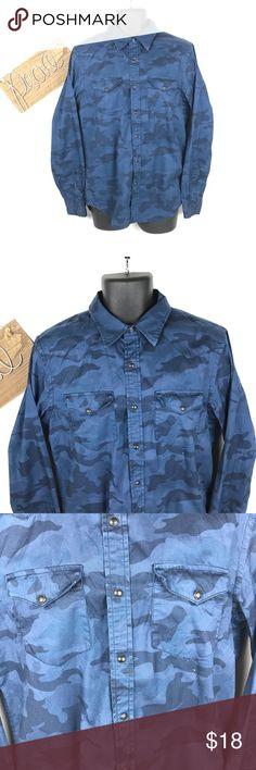 American eagle outfitters camouflage button  down Very nice men's button down shirt size med in good lite scuffs on a few of the buttons vintage fit 100% cotton American Eagle Outfitters Shirts Casual Button Down Shirts
