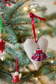 Sweet little ornament by Loreta