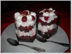 A legfinomabb kavart, sütés nélküli és krémes meggyes csodák receptjei! - Ketkes.com Pudding, Food, Cakes, Meal, Custard Pudding, Essen, Hoods, Pastries, Torte