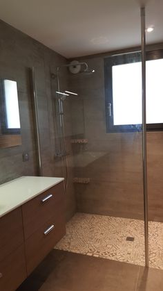 Paroi de douche fixe Rothalux avec fixation plafond