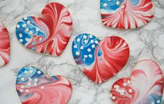 Show your American pride with these fun and easy to make Marbled Heart Sugar Cookies! Recipe here. Iced Cookies, Cut Out Cookies, Star Cookies, Fancy Cookies, Cute Cookies, Cupcake Cookies, Chocolate Cookies, Cookie Frosting, Sugar Cookie Royal Icing