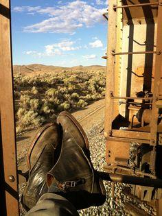 Train Hopping - Adventure meets art (Alternative Urban Subsistence)