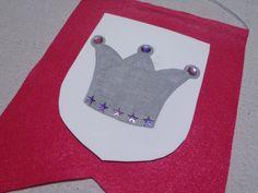 Party Crest Craft (Princess, Knight, Royal, Medieval) - Set of 10 via Etsy