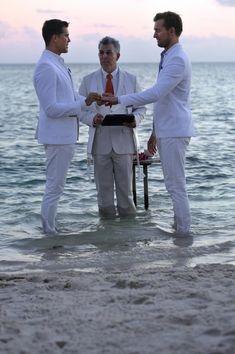 Fredrik Eklund & Derek Kaplan wed in Little Palm Island Key West, Florida. Lgbt Wedding, Wedding Men, Dream Wedding, Wedding Ideas, Wedding Groom, Lgbt Couples, Cute Gay Couples, Lgbt Love, Rainbow Wedding