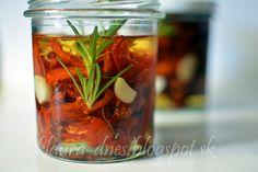Z mojej kuchyne i fotoaparátu ...: Sušené paradajky