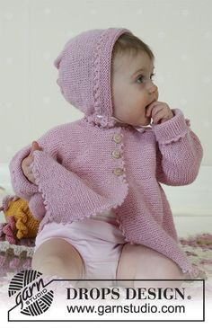 Josie / DROPS Baby - Jacket, socks, bonnet, soft toy and blanket in Alpaca Baby Knitting Patterns, Baby Cardigan Knitting Pattern, Knitted Baby Cardigan, Baby Hats Knitting, Knitted Coat, Knitting For Kids, Baby Patterns, Free Knitting, Drops Design