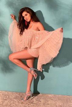 26 latest hot and sexy photos of Tara Sutaria Bollywood Actress Hot, Beautiful Bollywood Actress, Beautiful Indian Actress, Bollywood Celebrities, Bollywood Fashion, Indian Bollywood, Bollywood Stars, Bikini Clad, Indian Girls
