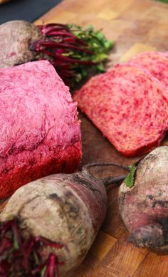 Pan de Betarraga | Cherrytomate Sin Gluten, Crackers, Bread Recipes, Barbecue, Yummy Treats, Muffin, Tasty, Meat, Sweets