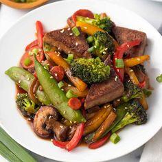 Vegan Stir Fry, Tofu Stir Fry, Quick Easy Vegan, Easy Vegan Dinner, Vegetable Fried Rice, Fried Vegetables, Vegan Foods, Vegan Desserts, Tofu Recipes