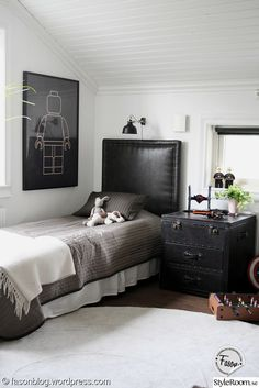 Look at this trendy big boys bedroom - what an inspired design and style Preteen Boys Bedroom, Boys Bedroom Decor, Teenage Room, New Room, Room Inspiration, Interior Design, Decoration, Home Decor, Diy Hacks