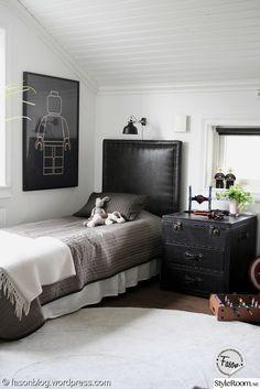 Look at this trendy big boys bedroom - what an inspired design and style Teenage Room, Preteen Boys Room, Boys Bedroom Decor, New Room, Interior Design, Decoration, Home Decor, Diy Hacks, Big Boys