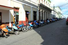 #cuba #cienfuegos #city #town #ville #moto #scooter