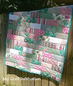 Sewing Quilts Simple and quick quilt using 12 fat quarters, the outcome all depends on the fabric choices and colors, from: My Quilt Infatuation: Beginner Quilt Along Beginner Quilt Patterns, Quilting For Beginners, Quilting Tutorials, Quilting Projects, Quilting Designs, Sewing Projects, Quilting Ideas, Sewing Patterns, Jellyroll Quilts