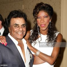 News Photo : Recording Artist Johnny Mathis and Natalie Cole...