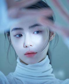 Posted by Sifu Derek Frearson – SkillOfKing. Estilo Beatnik, Ulzzang Korean Girl, Photo Reference, Beautiful Asian Girls, Aesthetic Girl, Girl Photos, Girl Photography, Asian Beauty, Cute Girls