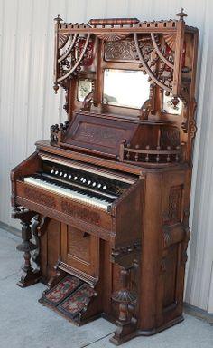 Newman Brothers reed organ 2
