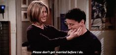 This will definitely change your mind about Joey and Rachel in Friends - CosmopolitanUK Still mad about that storyline? Friends Joey And Rachel, Joey Friends, Ross And Rachel, Friends Cast, Friends Gif, Friends Series, I Love My Friends, Friends Tv Show, Friends Change