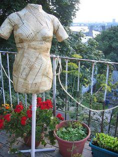 How to make a mannequin/dress form out of duct tape.  Lots of other duct tape crafts on this site.