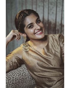 For the Teaser Launch of ⚡️ Brocade ensemble from Earrings by Styled by South Indian Actress Hot, Indian Actress Photos, Beautiful Girl Indian, Beautiful Indian Actress, Nivedha Thomas, Saree Hairstyles, Hair Up Styles, Senior Girl Poses, Beauty Full Girl