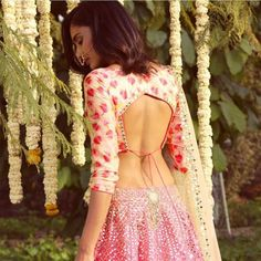 6 Indian Blouse Designs That Make For Perfect Bridal Inspiration For You Straight Off The Runway sari blouse Indian Blouse Designs, Choli Designs, Mehandi Designs, Blouse Back Neck Designs, Fancy Blouse Designs, Latest Blouse Designs, Traditional Blouse Designs, Sari Design, Choli Blouse Design