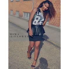 Leather black skirt...