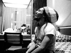 **Bob Marley** Gloucester Road, London, UK, February 1978. ►Holed up in a rented apartment in London. I deleted his spliff from my pictures in case it got him into trouble, but you can see it in his expression◄ (Jill Furmanovsky) ►►More fantastic pictures, music and videos of *Robert Nesta Marley* on: https://de.pinterest.com/ReggaeHeart/ ©Jill Furmanovsky