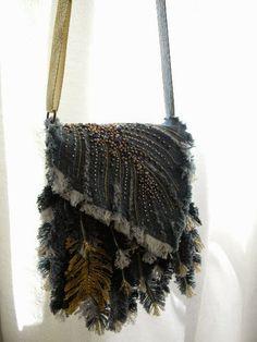 "White Mountains: Моя сумочка ""Перышки"" Jean Purses, Diy Bags Purses, Denim Ideas, Denim Crafts, Art Bag, Handmade Purses, Boho Bags, Denim And Lace, Denim Bag"