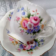 ♥ Vintage ROYAL ALBERT Fine Bone China Tea Cup & by CupsAndRoses