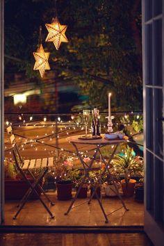 Simple lighting ideas for beautifying your backyard, … – Balkon Deko Ideen – Balcony Narrow Balcony, Tiny Balcony, Balcony Design, Balcony Garden, Garden Design, Small Balconies, Balcony Ideas, Small Terrace, Outdoor Balcony