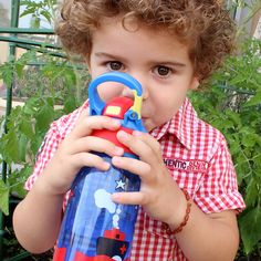 🏃 Being a busy toddler is thirsty work and what better way to get your needed hydration than by drinking from our cool auto-spout drink bottles. They come in a range of 4 cute designs, have a one button push open valve for easy access as well as a handy clip on hook to make for easy carrying.