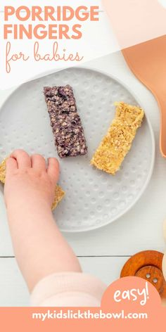 Porridge fingers are a great finger food baby oatmeal option. An easy and nutritious baby led weaning breakfast Toddler Finger Foods, Toddler Meals, Kids Meals, Toddler Food, Baby Led Weaning Breakfast, Baby Weaning, Baby Breakfast, Fingerfood Baby, Healthy Baby Food