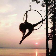 World Champion Pole Dancer and Wink Dancewear brand ambassador Galina Musina stunning sunset shot training Aerial Hoop, Lyra. Aerial Hoop, Aerial Arts, Yoga Wear, Dance Wear, Pole Dancing Clothes, Summer Prints, Funky Fashion, Brand Ambassador, Aerial Photography