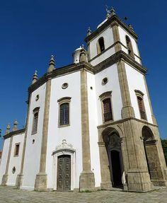 Igreja de Nossa Senhora da Glória do Outeiro. História, religião, arte e arquitetura.