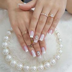 Glitter Nails, Gel Nails, Acrylic Nails, Bride Nails, Wedding Nails, Nail Salon Design, Nail Logo, Cute Christmas Nails, Elegant Nails
