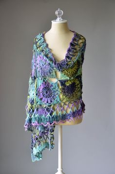 Free crochet pattern - Guadalupe Stole in Classic Shades Metallic