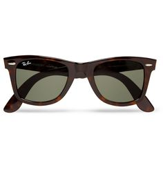 The Wayfarer is a classic for a reason: angular in design and beautifully hand-crafted, <a href='http://www.mrporter.com/Shop/Designers/RayBan'>Ray-Ban</a>'s iconic sunglasses exude effortless flair. This dark brown tortoiseshell version will add a lightly patterned accent to your look. Suitable for all seasons and any occasion, this pair will be a go-to option when the sun comes out.
