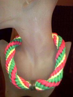 collar trapillo hecho en kumihimo con colores de esta primavera 2014