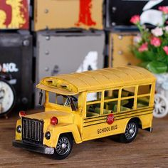 62.63$  Buy here - http://aliggg.shopchina.info/go.php?t=32804335467 - 2017 Vintage Yellow School Bus Vehicles Model Car Metal Kids Toys Collection Education Best Gifts For Children Toy Car  #shopstyle