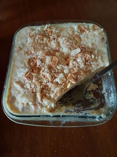 Μια πανεύκολη συνταγή για αρχάριους, για ένα υπέροχο, δροσερό γλύκισμα ψυγείου με όρεο, με 3 μόνο υλικά έτοιμα σε 15 λ για το ψυγείο. Υλ...