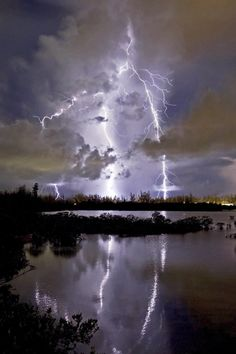 Lightning Photography, Storm Photography, Nature Photography, Photography Tips, Ride The Lightning, Thunder And Lightning, Lightning Strikes, Lightning Flash, All Nature